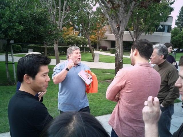 galaxy nexus woz 2 e1321884574766 Steve Wozniak é o primeiro a receber um Galaxy Nexus nos Estados Unidos