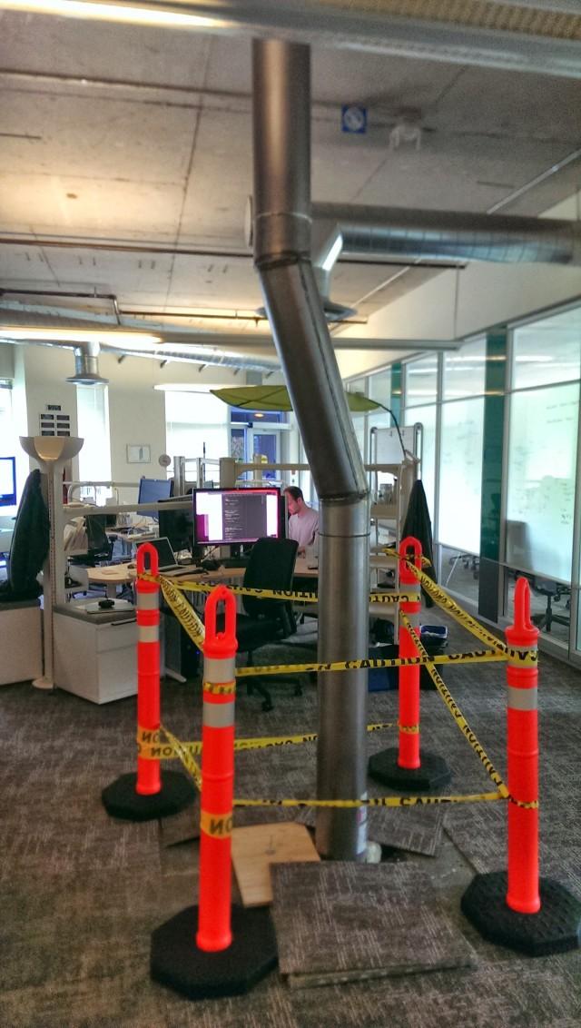 Foto do Dia: Um cano no meio do escritório do Google em Seattle | Google Discovery