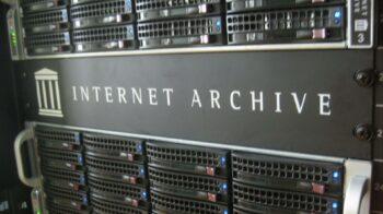 Internet Archive alerta para o futuro da web